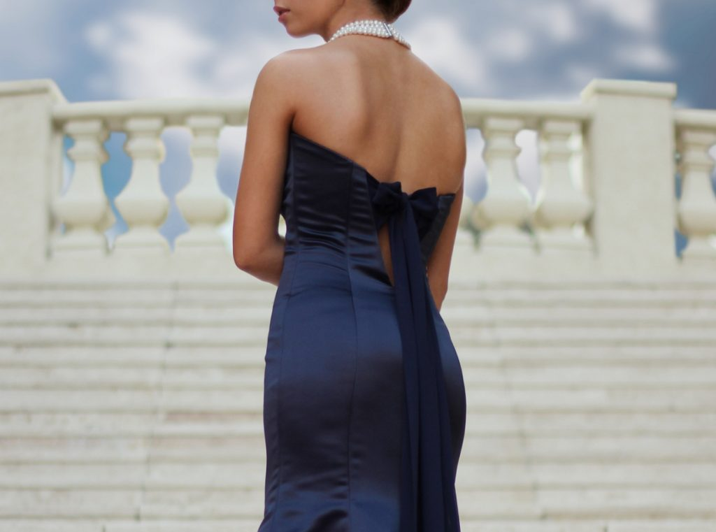 5 Tips For Wearing A Mermaid-Cut Dress To A Formal Event